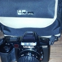 Camera Minolta Dynax 5000i with lens build in flash and carry bag