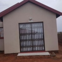 Stunning 2 bedroom house in Soshanguve East next to mall