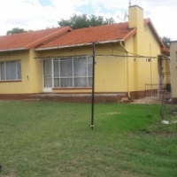 3 bedroom house for sale in Boksburg ( freeway park)