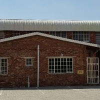 Mini factory to let in secure business park in Anderbolt, Boksburg.