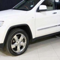 Jeep Grand Cherokee 5.7 Overland At