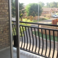 2x Sectional Title 2 bedroom upper class flats available in Theresapark