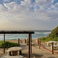 7 Sleeper Holiday unit on Pumula Beach Hibberdene @ R700 per night