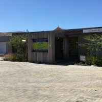MIXED USE AVAILABLE FROM THIS WELL SITUATED RESIDENTIAL ZONED BUILDING IN MAIN ROAD OF SANDBAAI