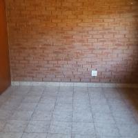 Spacious 2 bedrooms 2 bathroom garden cottage in Pretoria Gardens for rent