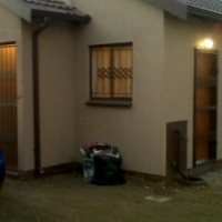 3 bedroomed house to let