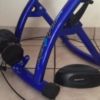 Giant cyclotron magnetic indoor trainer (like new)