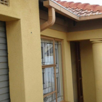 House with 2 outside rooms for sale in Tembisa