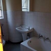 1 bedroom flat with garden to let in Windsor East