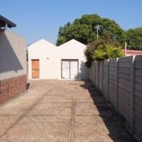 Spacious Gardern flat Rietfontein