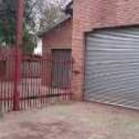400sqm WORKSHOP WITH OFFICES TO LET in town! ideal panelbeating/vehicle workshop etc