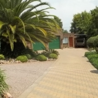 Fully furnished 1 bedroom garden flat for rent. The Reeds Centurion.