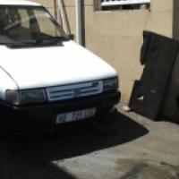 fiat uno 4 door car for sale R 19.000 .ONCO