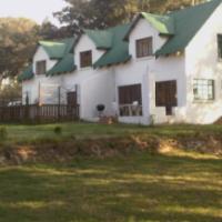 Spacious Loft garden cottage