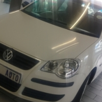 Pre owned 2009 Polo 1.6 trend  line