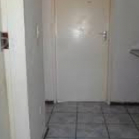 Yeoville 2beds, bathroom, kitchen, lounge, Rental R4000 Rockey Str