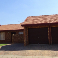 3 Bedroom Townhouse in Security Complex – R 1 080 000