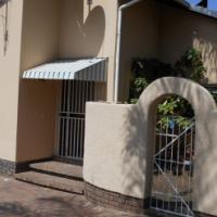 Very spacious 3 bedroom Cottage in Bromhof Randburg R9000.00/m deposit the same. Three large bedroom