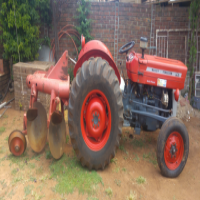 MessayFergurson Tractor/ploughblade
