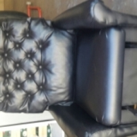 2x lazy chairs full leather