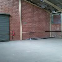 420m2 factory/warehouse to let in Malvern East