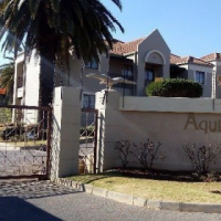 Lovely Immaculate Upstairs Unit! for sale in Aquila Complex Oakdene