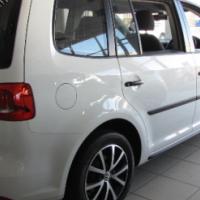 2014 VW Touran 2.0L Tdi Trend A/T - 7 Seater