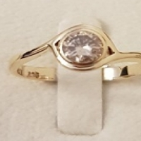 9ct Y/G Engagement Ring