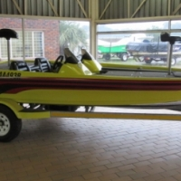 Rebel 582 Bass Boat 225 Mercury Optimax Motor