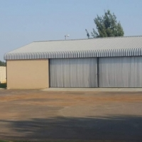 Warehouse with office to let in Clover street Bredell. 210 m2.