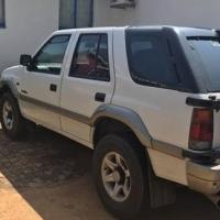 isuzu frontier 3.2 4x4 petrol 340k km
