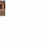 4 Bedroom House with 2 Flats in Ben Fleur