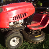 "Benoni. Ride on Lawnmower. MTD 17,5 HP Briggs & Stratton motor. 42"" cutting deck. Good condition"