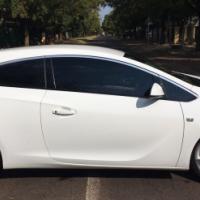 Pristine Condition 2014 Opel Astra 1.6T GTC