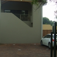 Modern/clean uncomplicated flat in Rietfontein. Available immediately