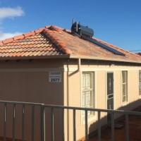 Spacious 3 Bedroom house with 2 bathrooms in Rosslyn Gardens