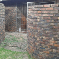 3 Bedroom Simplex to rent in Birdswood available 1 April 2017.