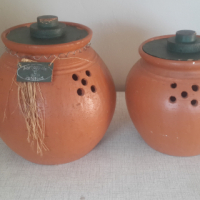 Pottery pots set for potatoes and onions R300 for both.