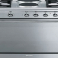 Smeg 90cm gas/electric - 18% discount
