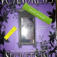 Secrets In The Attic - Virginia Andrews - Secrets Series #1 - V.C. Andrews.