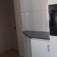 Beautiful 3 bedroom duplex newly renovated to rent.