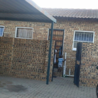 2 bed townhouse with 1 Carport in Finsbury (Randfontein).