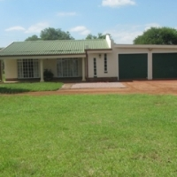 8.5 HA PLOT 8 KM FROM BELA-BELA(WARMBAD) WITH 3 BEDROOM HOUSE & 2 SINGLE APARTMENTS
