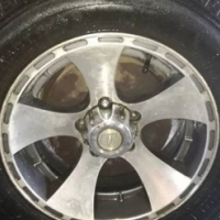 Toyota Hilux Bakiie Rims and tyres