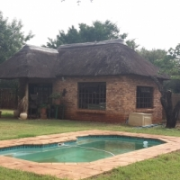 ROODEPLAAT  Kameeldrift east 1,1ha Weekend getaway
