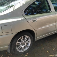 Volvo 2006 S60 2.0t to swop for a bakkie