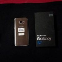 S7 Galaxy  and goggles
