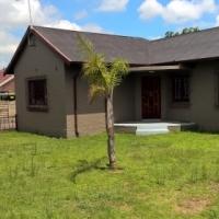 Kempton Park House R10,000 Sharing allowed