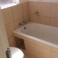 1 Bedroom Apartment in Rustenburg incld water