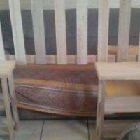 Queen bed kopstuk en twee sy tafels te koop